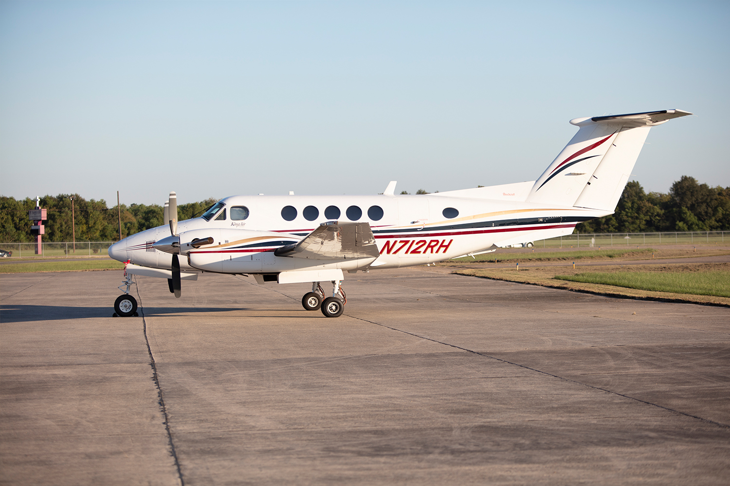 BTR Air Charter - King Air BE200 - Baton Rouge Air Charter Flights