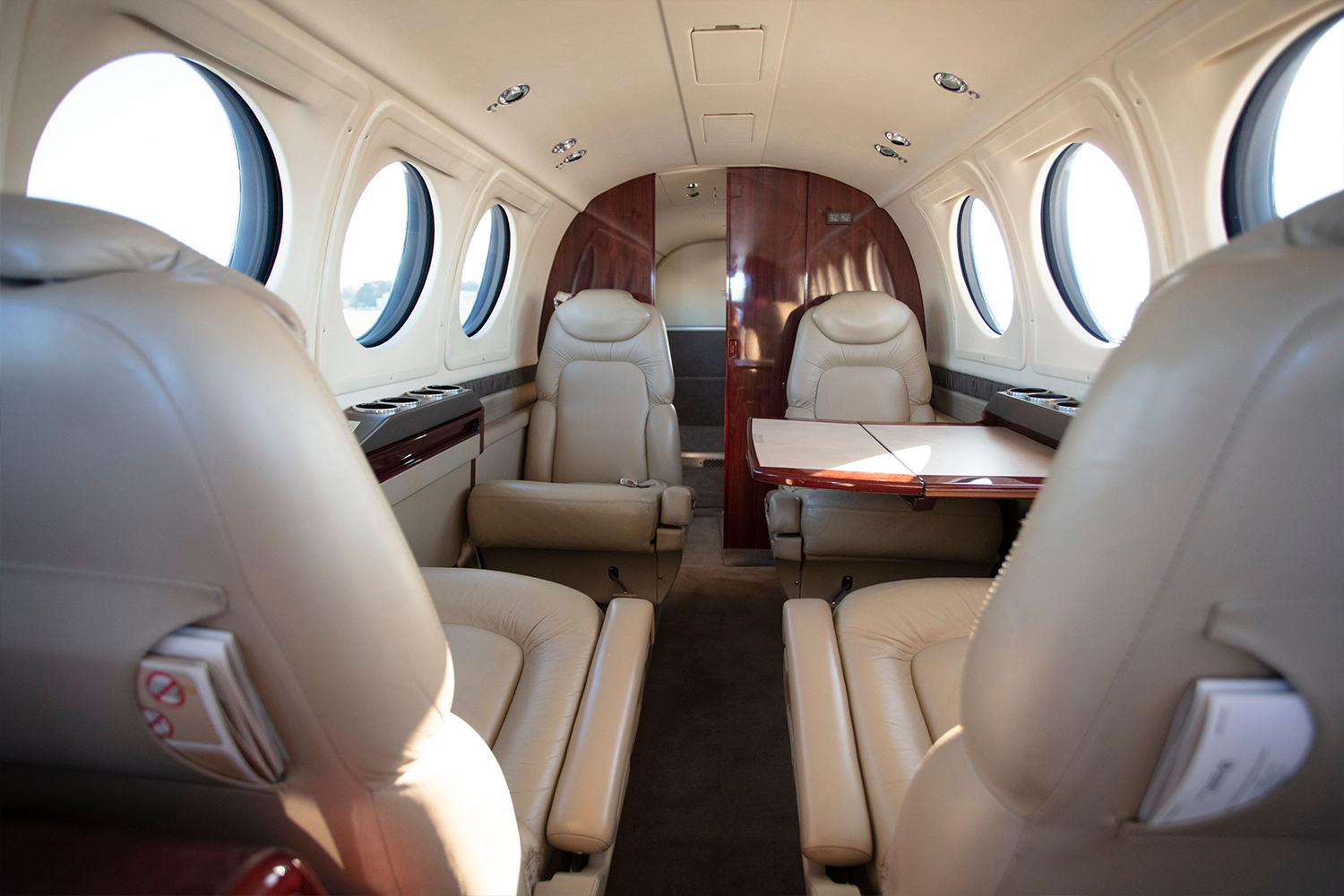 BTR Air Charter - King Air BE200 - Luxurious Interior