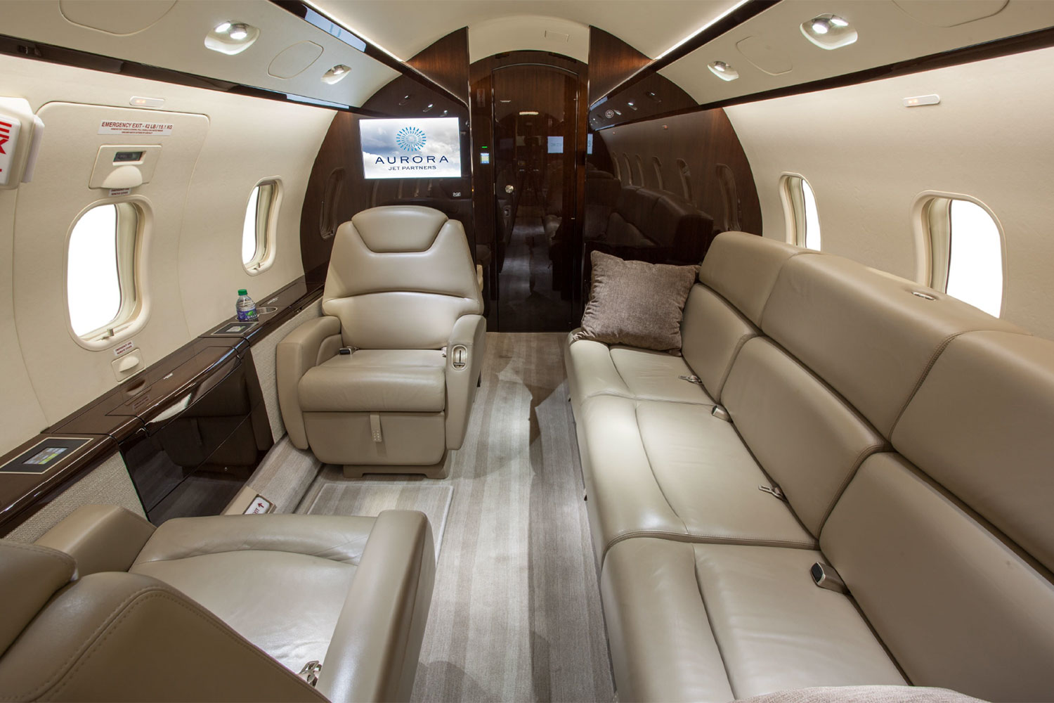 BTR Air Charter's Challenger 300 - 3 Person Couch